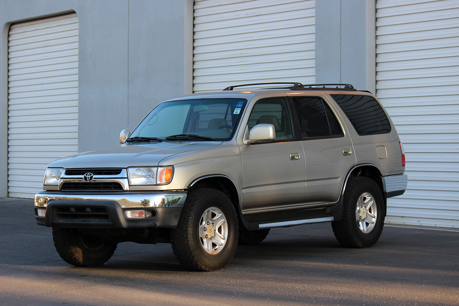 prestige motors pre owned 2002 toyota 4runner sr5 for sale. Black Bedroom Furniture Sets. Home Design Ideas